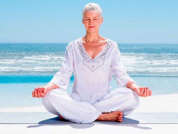 Dor crônica, meditar, xingar, ser positivo e rir podem ajudar no alívio Dor