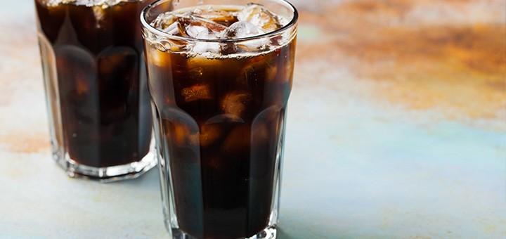 Refrigerantes e sucos com muito açúcar estão ligados a maior risco câncer Alimentação